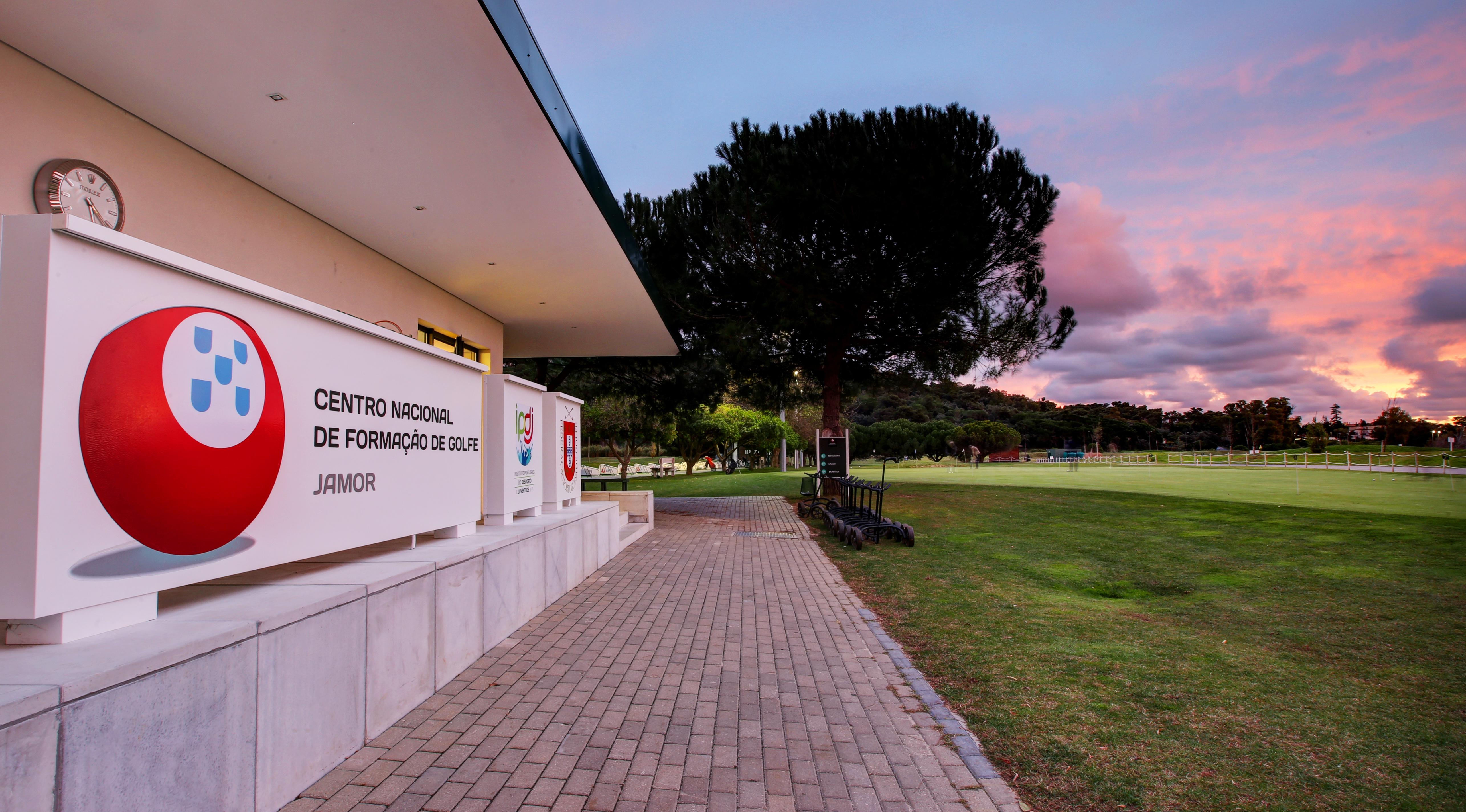 Instalações exteriores Clubhouse Federação Portuguesa de Golfe centro nacional de formação de golfe